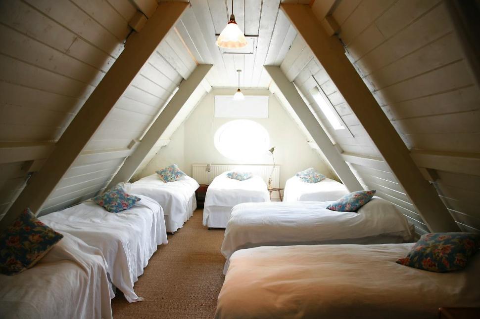 Int_Bedroom_003